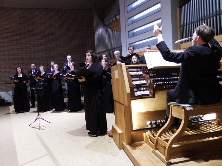 Der Synagogalchor Hannover mit Sören Sönksen (Leitung/ Orgel) live 2018 in St. Magnus, Marktoberdorf